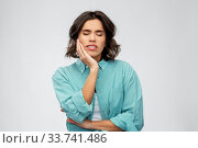Купить «young woman suffering from toothache», фото № 33741486, снято 18 апреля 2020 г. (c) Syda Productions / Фотобанк Лори