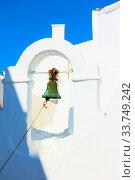 Купить «Small bell tower of ancient greek church in Mykonos», фото № 33749242, снято 22 апреля 2018 г. (c) Роман Сигаев / Фотобанк Лори