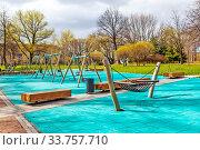 Купить «Благоустроенный Большой Ильинский сад. Санкт-Петербург», фото № 33757710, снято 7 мая 2020 г. (c) Сергей Афанасьев / Фотобанк Лори