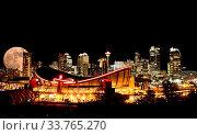 Купить «Calgary Full moon Night Skyline Alberta Canada», фото № 33765270, снято 11 июля 2020 г. (c) age Fotostock / Фотобанк Лори
