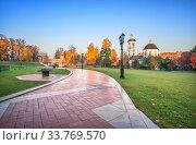 Купить «Вид на храм Живоносный источник в Царицыно», фото № 33769570, снято 15 октября 2018 г. (c) Baturina Yuliya / Фотобанк Лори