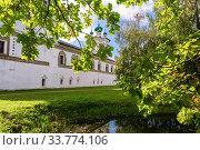 Купить «Church of St. John the Theologian in Nicolo-Vyazhishchsky monastery», фото № 33774106, снято 23 августа 2019 г. (c) FotograFF / Фотобанк Лори
