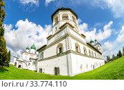 Купить «Nicolo-Vyazhishchsky monastery in Veliky Novgorod», фото № 33774110, снято 23 августа 2019 г. (c) FotograFF / Фотобанк Лори
