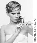 Купить «Black and white portrait in high key tone of female with splitting ends», фото № 33776070, снято 30 января 2012 г. (c) Serg Zastavkin / Фотобанк Лори