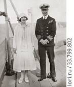 The Duke and Duchess of York aboard the H. M. S. Renown in 1927. Prince Albert Frederick Arthur George, Duke of York, future George VI, 1895 - 1952. King... Редакционное фото, фотограф Classic Vision / age Fotostock / Фотобанк Лори