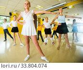 Positive children are dancing rock-n-roll. Стоковое фото, фотограф Яков Филимонов / Фотобанк Лори