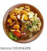 Купить «Polish stew of pork ribs and sauerkraut», фото № 33814678, снято 5 июля 2020 г. (c) Яков Филимонов / Фотобанк Лори