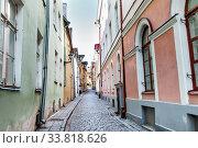Купить «empty street of Tallinn city old town», фото № 33818626, снято 8 апреля 2020 г. (c) Syda Productions / Фотобанк Лори