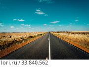 Asphalt road on Westen Australia. Стоковое фото, фотограф Zoonar.com/CHIN LEONG TEOH / easy Fotostock / Фотобанк Лори