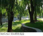 Набережная реки Салгир в парке им. Гагарина (Симферополь) Стоковое фото, фотограф Ярослав Коваль / Фотобанк Лори