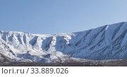 Купить «Timelapse of sun movement on crystal clear sky over snow mountain top. Yellow grass at autumn meadow. Wild endless nature.», видеоролик № 33889026, снято 5 февраля 2020 г. (c) Александр Маркин / Фотобанк Лори