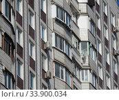 Семнадцатиэтажный десятиподъездный панельный жилой дом серии П-44, построен в 1990 году. Хабаровская улица, 2. Район Гольяново. Город Москва. Редакционное фото, фотограф lana1501 / Фотобанк Лори