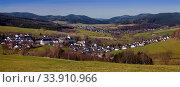 Panoramaansicht von Grafschaft, Schmallenberg, Sauerland, Nordrhein Westfalen, Deutschland, Europa. Стоковое фото, фотограф Zoonar.com/Stefan Ziese / age Fotostock / Фотобанк Лори