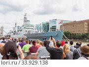 HMS Belfast battleship moored on the River Thames (2017 год). Редакционное фото, фотограф Nataliia Zhekova / Фотобанк Лори