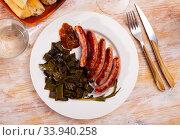 Grilled sausages with flat beans. Стоковое фото, фотограф Яков Филимонов / Фотобанк Лори