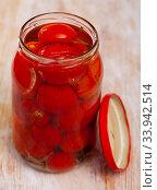 Купить «Tomatoes marinated in jars», фото № 33942514, снято 6 июля 2020 г. (c) Яков Филимонов / Фотобанк Лори