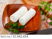 Soft goat cheese with herbs and garlic. Стоковое фото, фотограф Яков Филимонов / Фотобанк Лори