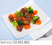 Купить «Chicken hearts with vegetables», фото № 33992862, снято 3 августа 2020 г. (c) Яков Филимонов / Фотобанк Лори