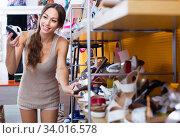 young woman in shoes store. Стоковое фото, фотограф Яков Филимонов / Фотобанк Лори