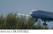 Купить «Aeroflot Boeing 777 landing», видеоролик № 34019062, снято 27 ноября 2019 г. (c) Игорь Жоров / Фотобанк Лори