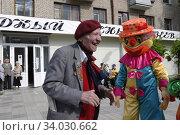 Михаил Корнеевич Аникеев в дни проведения праздника ночь музеев (2009 год). Редакционное фото, фотограф Дмитрий Неумоин / Фотобанк Лори