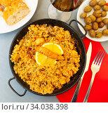 Купить «Paella with seafood – traditional Spanish dish», фото № 34038398, снято 6 июля 2020 г. (c) Яков Филимонов / Фотобанк Лори