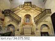 Burgos city, Catedral de Santa Maria Escalera dorada (Golden stairs) by Diego de Siloe. Burgos province, Castilla y Leon, Spain. Стоковое фото, фотограф J M Barres / age Fotostock / Фотобанк Лори