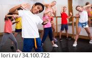 Купить «Kids training hip hop in dance studio», фото № 34100722, снято 30 июня 2020 г. (c) Яков Филимонов / Фотобанк Лори