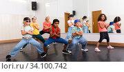Купить «Kids training hip hop in dance studio», фото № 34100742, снято 30 июня 2020 г. (c) Яков Филимонов / Фотобанк Лори