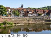 Die Werra in Witzenhausen , Hessen, Deutschland   Werra river in Witzenhausen, Hesse, Germany. Стоковое фото, фотограф Peter Schickert / age Fotostock / Фотобанк Лори