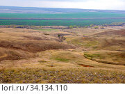 Scenic view from the top of the hill to the valley in the steppe. Стоковое фото, фотограф Акиньшин Владимир / Фотобанк Лори
