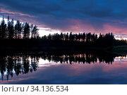 Abendstimmung am Fluss Oesterdalaelven, Dalarna, Schweden, September 2010. Стоковое фото, фотограф Zoonar.com/GUNAR STREU / age Fotostock / Фотобанк Лори
