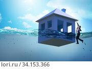 Купить «Mortgage repayment failure concept with man», фото № 34153366, снято 9 июля 2020 г. (c) Elnur / Фотобанк Лори