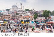 Istanbul city view, Eminonu former district (2016 год). Редакционное фото, фотограф EugeneSergeev / Фотобанк Лори
