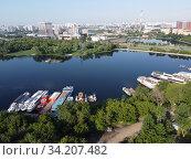 Москва, вид сверху на старое русло Москвы-реки и Нагатинский затон. Редакционное фото, фотограф glokaya_kuzdra / Фотобанк Лори