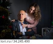 Family conflict at Christmas night. Стоковое фото, фотограф Яков Филимонов / Фотобанк Лори
