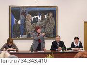 Аникеев Михаил Корнеевич на открытии выставки в 2011 году. На 345 механическом заводе (2010 год). Редакционное фото, фотограф Дмитрий Неумоин / Фотобанк Лори