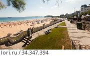 Santander beach in summer. Cantabria. Spain (2019 год). Редакционное фото, фотограф Татьяна Яцевич / Фотобанк Лори