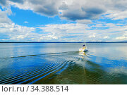 Озеро Селигер. Summer landscape of Seliger Lake. Tver region, Russia. Стоковое фото, фотограф Зезелина Марина / Фотобанк Лори