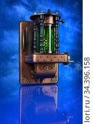 Настенный светильник в  стиле стимпанк. Стоковое фото, фотограф Валерий Александрович / Фотобанк Лори