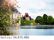Scenic pond view in Fontainebleau palace, France (2017 год). Стоковое фото, фотограф Сергей Новиков / Фотобанк Лори
