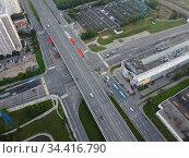 Москва, эстакада на перекрёстке Балаклавского проспекта и Варшавского шоссе (2020 год). Редакционное фото, фотограф glokaya_kuzdra / Фотобанк Лори