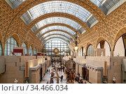 Paris, France - March 28, 2017: Interior view of Museum Orsay in ... Стоковое фото, фотограф Zoonar.com/Ruslan Gilmanshin / age Fotostock / Фотобанк Лори