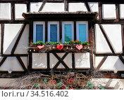 Fenster, Eguisheim, Elsaß, Egisheim, egsa, dorf, vogesen, malerisch... Стоковое фото, фотограф Zoonar.com/Volker Rauch / easy Fotostock / Фотобанк Лори