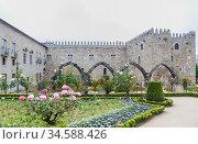 Garden of St.Barbara's at the walls of the former Archbishop's Palace, Braga, Portugal. Стоковое фото, фотограф Николай Коржов / Фотобанк Лори