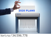 Concept of failed strategy and plans in 2020. Стоковое фото, фотограф Elnur / Фотобанк Лори