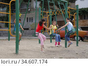 Kids playing the capital city Stepanakert in Nagorno Karabakh. After... (2006 год). Редакционное фото, фотограф Andre Maslennikov / age Fotostock / Фотобанк Лори