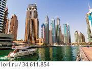 DUBAI, UAE - NOVEMBER 13: Modern buildings in Dubai Marina, Dubai... Стоковое фото, фотограф Zoonar.com/Figurniy Sergey / age Fotostock / Фотобанк Лори