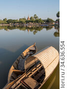 Fishingboat at the lake at the Historical Park in Sukhothai in the... Стоковое фото, фотограф Zoonar.com/URS FLUEELER / age Fotostock / Фотобанк Лори