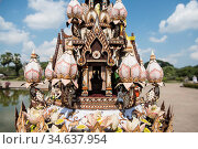 A giant Krathong art work at the Loy Krathong Festival in the Historical... Стоковое фото, фотограф Zoonar.com/URS FLUEELER / age Fotostock / Фотобанк Лори